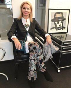 Stylingtipps für Broschen vom Fashion Blogger für Frauen ab 40