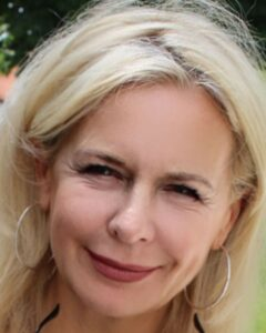 Wie jung möchte ich aussehen? Bloggerin Bibi Horst, 55 Jahre alt, berichtet über ihre Erfahrungen mit dem Alter, der Verjüngung und neuen Möglichkeiten.