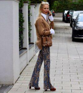 Wie style ich Camel in der Mode für Blondinen. Die Bloggerin Bibi Horst zeigt viel Looks in Camel