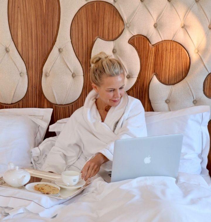 Hotel Review... Hotel Carlton St. Moritz. Die Bloggerin Bibi Horst berichtet in Ihrem Online Magazin Schokoladenjahre über ihre Woche im Hotel Carlton in St. Moritz. Ausführlicher Hotel Bericht vom Hotel Carlton St. Moritz.