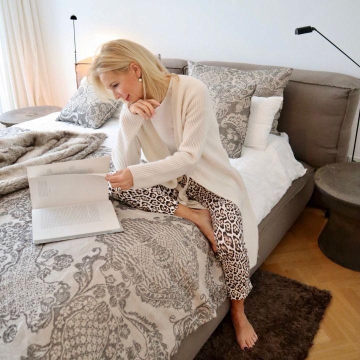 Die Bloggerin Bibi Horst gibt Tipps, wie sie auch in den Wechseljahren gut schlafen kann, denn genügend Schlaf ist für sie das wichtigste Anti Aging Mittel.